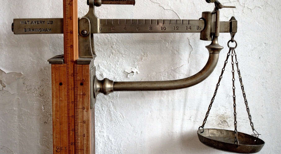 an-old-fashioned-scales